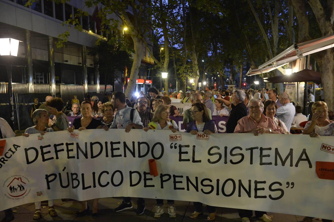 Centenares de jubilados exigen en la Región pensiones «dignas» y revalorizadas conforme al IPC