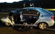 Dos muertos en un grave accidente al chocar un coche con una furgoneta en la autovía de Jumilla