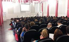 124 docentes y estudiantes participan en el curso «El futuro de la Educación Física: hacia la eficiencia docente»