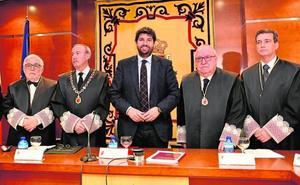 El desacuerdo entre PP y PSOE bloquea el acceso de la primera mujer al Consejo Jurídico