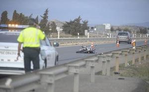 Fallece un motorista en un accidente con un turismo en Cartagena