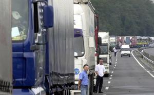 Una consultora busca en Murcia hasta 15 conductores de autobús y camión para Alemania