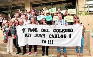 Los padres exigen mejoras ante el abandono del colegio Juan Carlos I de La Unión