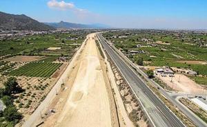 Ecologistas y vecinos denuncian obras ilegales en Zeneta por la autovía del Reguerón