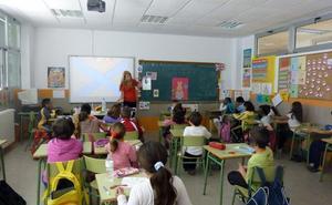 Educación afloja e incrementará la oferta inicial de mil plazas de maestro