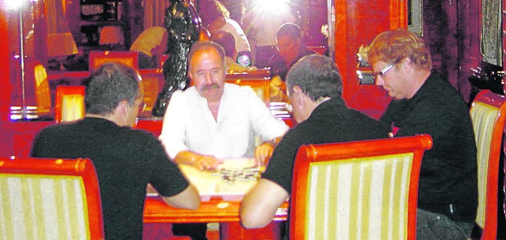 El juez considera que Berberena y Guerra se corrompieron con dádivas de promotores