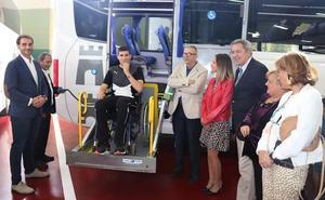Un nuevo autobús adaptado para incrementar la accesibilidad en el transporte