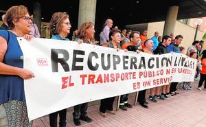 Más de 1.500 vecinos firman para exigir la recuperación de la línea de autobús con Aljucer