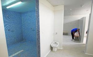 El Ayuntamiento invierte 185.000 euros en mejorar las piscinas de Pozo Estrecho y La Aljorra, así como el Pabellón Central