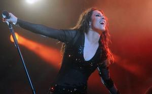 Malú pospone su concierto en Murcia tras sufrir «una de las caídas más tontas de mi vida»