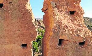La Comunidad realiza otra obra de emergencia en la muralla del castillo de Mula