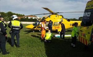 La pista de atletismo de Cieza se convierte en un helipuerto para trasladar a un paciente