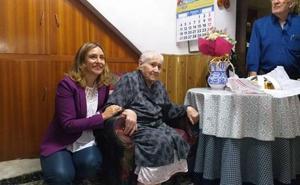 Centenaria con ayuda a domicilio