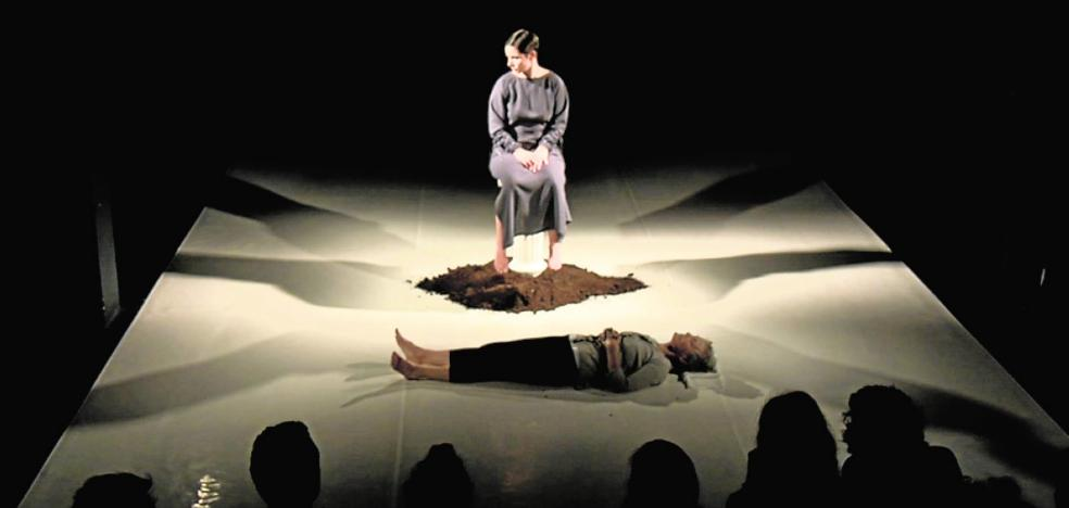 El Teatro Circo de Murcia muestra 'Viviré aquí', «una historia muy de mujeres»
