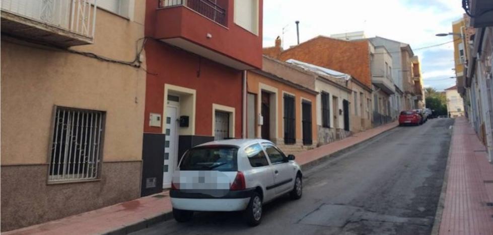 Un vecino de Molina de Segura intenta matar a su mujer y luego se suicida