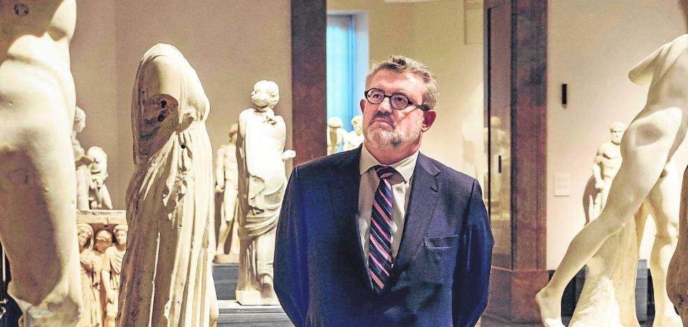 Miguel Falomir: «'Las Meninas' se pueden disfrutar sin necesidad de estar pegando codazos»