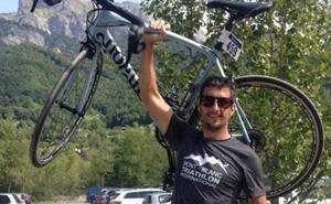Un cazador mata por error a un ciclista y su familia lo celebra: «Era un monstruo»