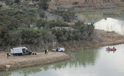 Los GEAS buscan al desaparecido en Casas Nuevas en el pantano de Pliego
