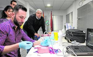 El Colegio lanza nuevos cursos de ecografía y operador de rayos para enfermeros