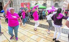 Baile, cante y caricaturas contra el cáncer de mama