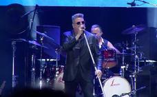 Loquillo derrocha su 'rock and roll actitud' en Murcia
