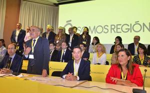 Garre estrena la presidencia de Somos Región con duras críticas al Gobierno de Miras