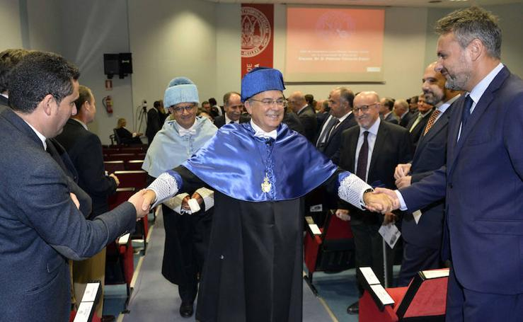 Patricio Valverde, investido doctor 'honoris causa' por la UMU