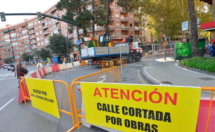 El tráfico transcurre con normalidad en Alfonso X pese a las obras