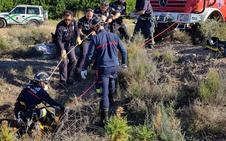 Rescatan a un galgo de un pozo de diez metros de profundidad en Sierra Espuña
