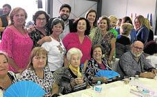 Más de mil mujeres participan en una cita dedicada a las amas de casa en Águilas
