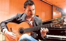 El guitarrista Carlos Piñana