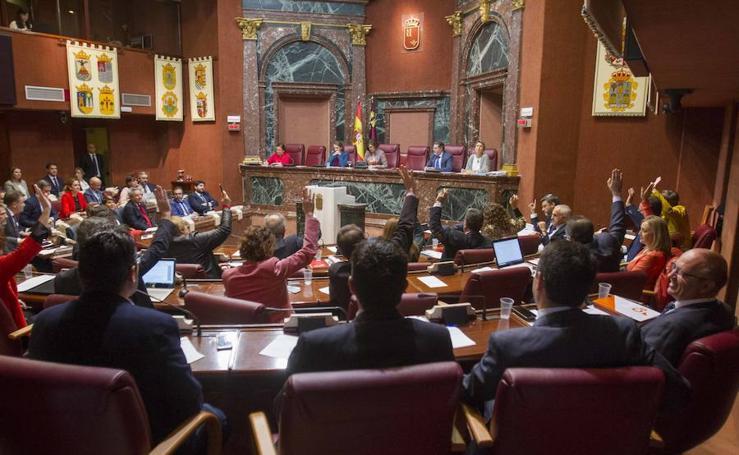 El Gobierno saca adelante el techo de gasto en la Asamblea entre fuertes críticas de la oposición