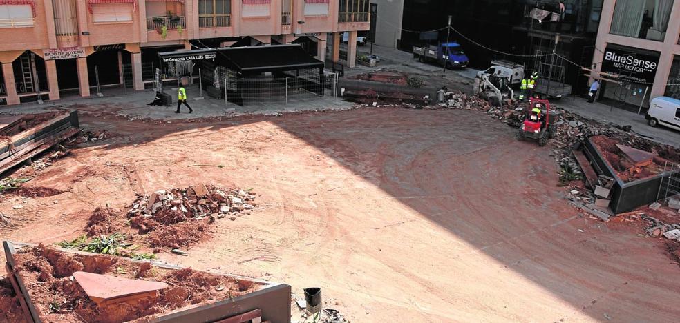 Arranca en Los Alcázares la remodelación de once plazas del centro y los barrios con 2,5 millones de euros