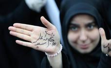 Irán recibe las sanciones al grito de «¡Muerte a EE UU!»