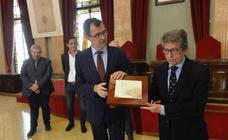 El alcalde de Murcia, José Ballesta, recibe al Murcia Club de Tenis por quedar campeon de España