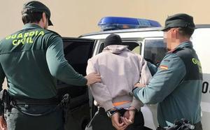 Detenido en Campos del Río un joven sin carnet por conducción temeraria