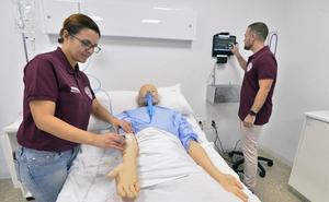 Enfermería estrena un nuevo Laboratorio de Simulación Clínica