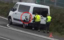 Estos son los camiones y furgonetas de la DGT camuflados en las carreteras