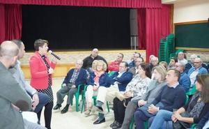 Arroyo quiere «tocar a la puerta de todos los vecinos de barrios y diputaciones»