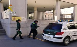 La Guardia Civil detiene 'in fraganti' al presunto autor de varios robos en viviendas de Lorca