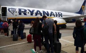 El truco de un pasajero para no pagar el equipaje de mano con Ryanair