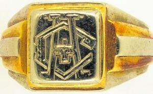 Un anillo permite identificar a un lorquino que estuvo en un campo nazi