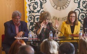 La ministra alaba la gestión de los ayuntamientos en políticas sociales