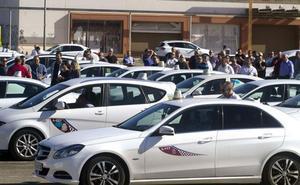 El sector del taxi logra dos días de libranza a la semana y la zona única con La Manga
