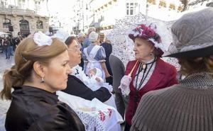 Doscientos modernistas visitan el centro de Cartagena