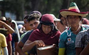 Unos 5.000 centroamericanos dejan la capital de México y prosiguen su marcha a EEUU