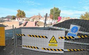 La inestabilidad del terreno obliga a paralizar las obras del puente sobre el Guadalentín