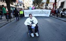 Manifestación por las becas y ayudas para alumnos con necesidades especiales