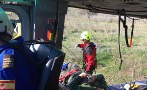 Rescatan a un cazador herido en la rambla de Valdelentisco