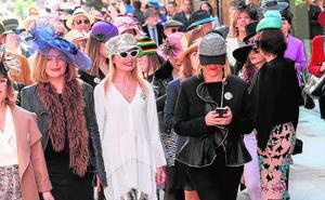 Paseo dominical con sombrero